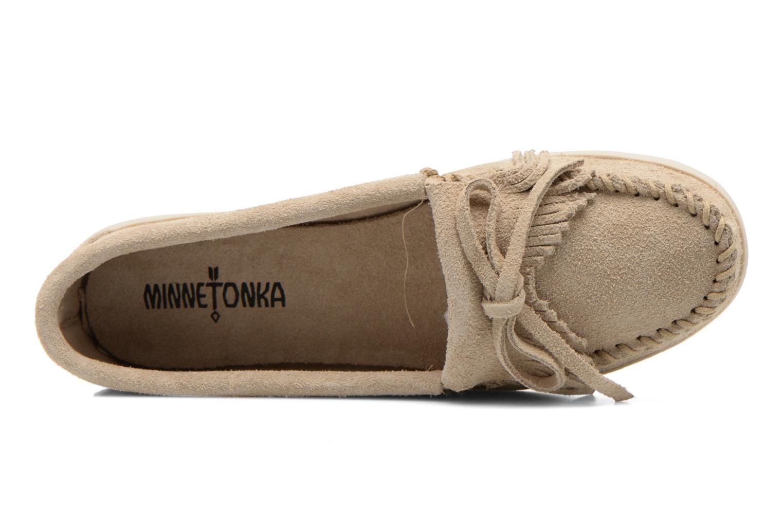 Loafers Minnetonka Newport Moc Beige bild från vänster sidan