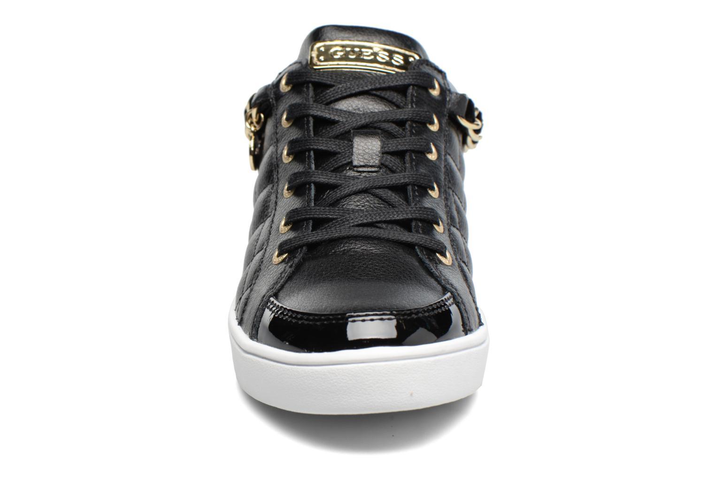 Baskets Guess Glinna Noir vue portées chaussures