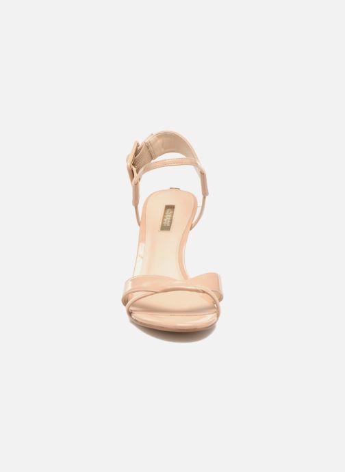 Sandalen Guess Deetra beige schuhe getragen