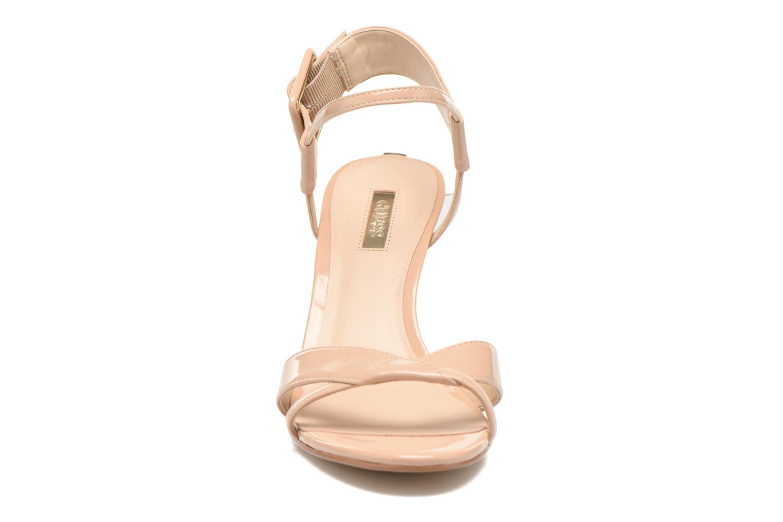 Sandales et nu-pieds Guess Deetra Beige vue portées chaussures