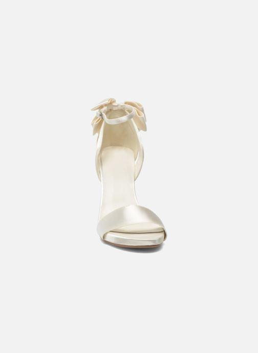 Sandalen Menbur Ana Maria weiß schuhe getragen