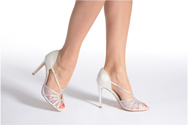 Sandales et nu-pieds Menbur Maribel Blanc vue bas / vue portée sac