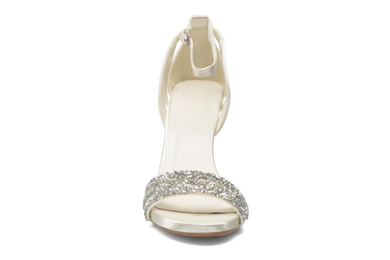 Sandals Menbur Angustina White model view