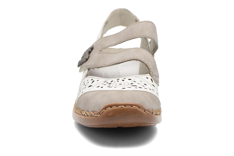 Ballerines Rieker Olu 41383 Blanc vue portées chaussures