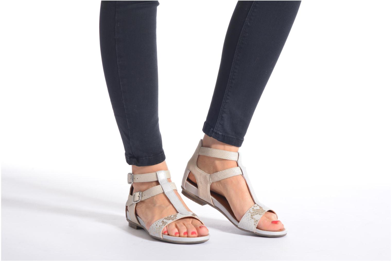 Sandales et nu-pieds Karston Kozin Beige vue bas / vue portée sac