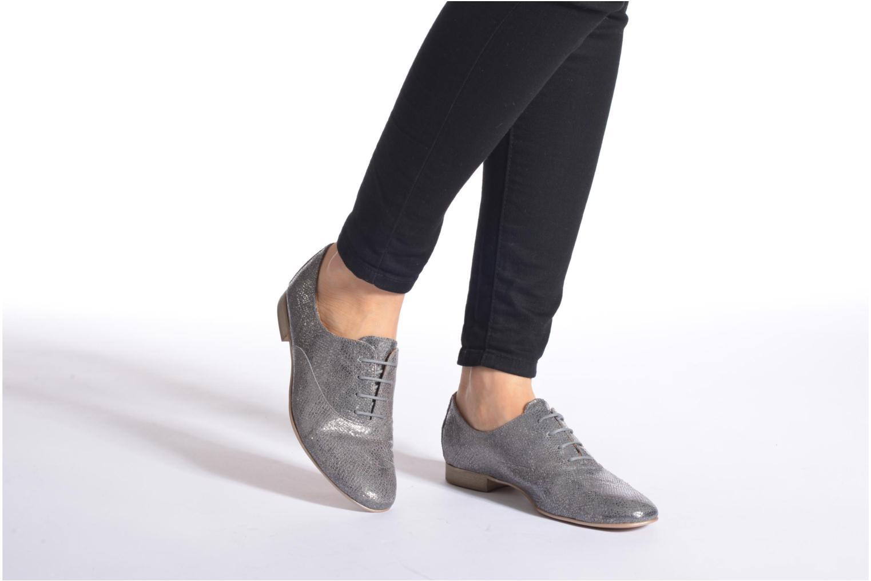 Chaussures à lacets Karston Joshoi Gris vue bas / vue portée sac