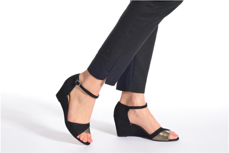 Sandales et nu-pieds Georgia Rose Lilika Noir vue bas / vue portée sac