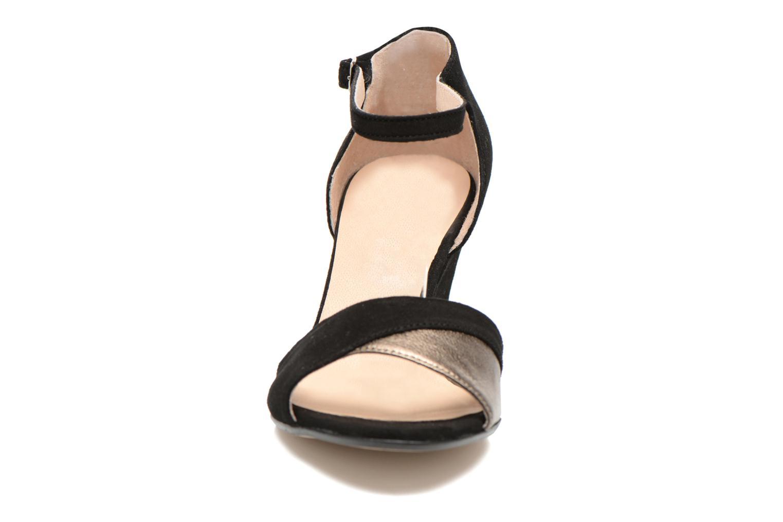 Sandales et nu-pieds Georgia Rose Lilika Noir vue portées chaussures