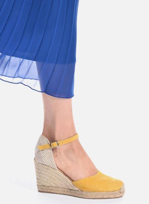 Sandales et nu-pieds Georgia Rose Iponiki Marron vue bas / vue portée sac