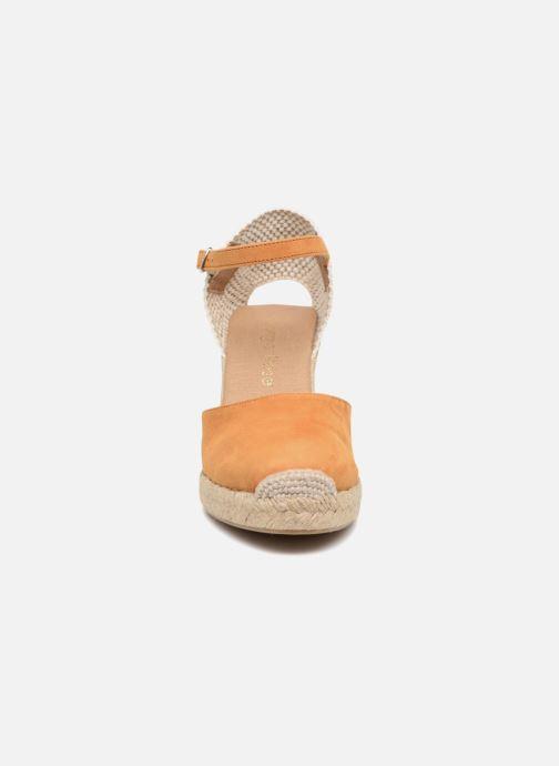 Sandales et nu-pieds Georgia Rose Iponiki Marron vue portées chaussures