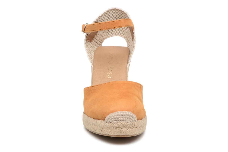 Sandali e scarpe aperte Georgia Rose Iponiki Marrone modello indossato