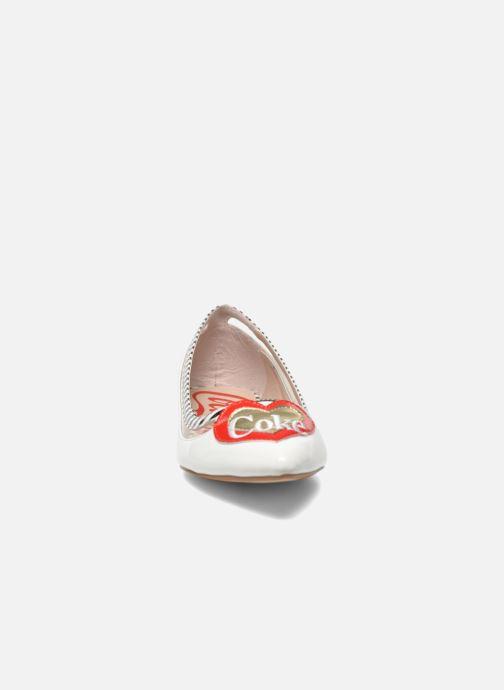 Ballerines Coca-cola shoes Heart Blanc vue portées chaussures