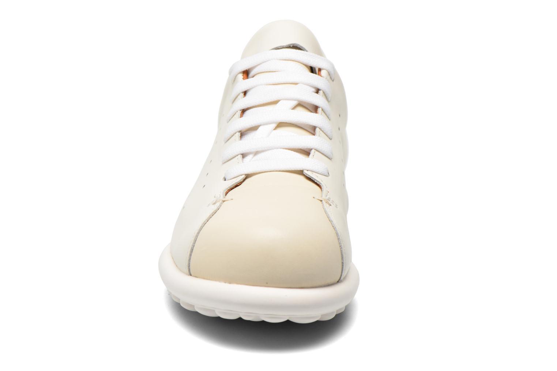 Baskets Camper Pelotas Ariel 22522 Blanc vue portées chaussures