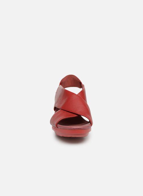 Sandali e scarpe aperte Camper Balloon K200066 Rosso modello indossato