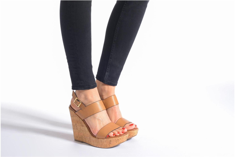 Sandales et nu-pieds Steve Madden ESME Marron vue bas / vue portée sac