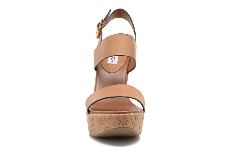 Sandales et nu-pieds Steve Madden ESME Marron vue portées chaussures