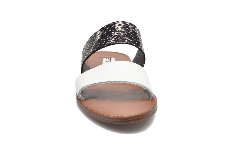 Mules et sabots Steve Madden MALTA Noir vue portées chaussures