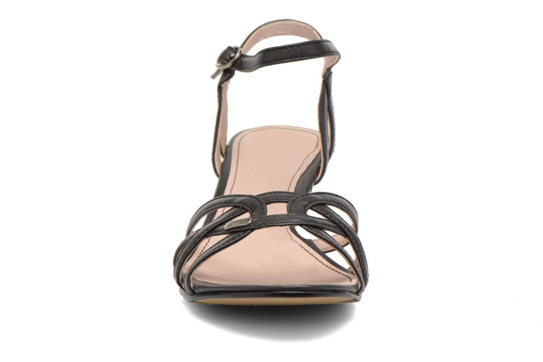 Sandali e scarpe aperte Esprit Birkin Sandal Nero modello indossato