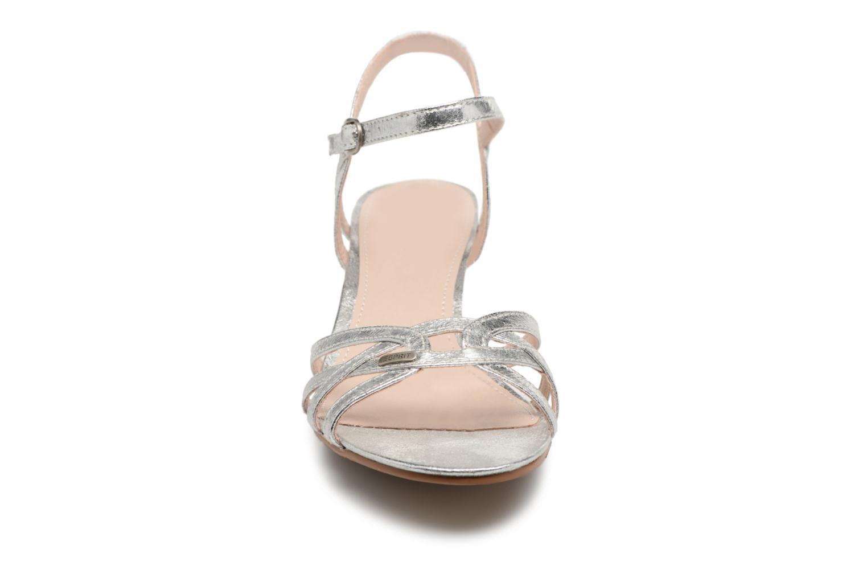 Sandalen Esprit Birkin Sandal silber schuhe getragen