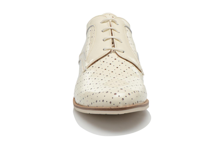 Scarpe con lacci HE Spring Bellem Bianco modello indossato