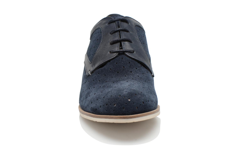Zapatos con cordones HE Spring Bellem Azul vista del modelo