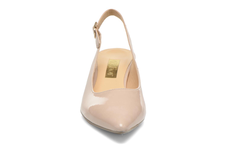 Zapatos de tacón Gabor Liro Beige vista del modelo