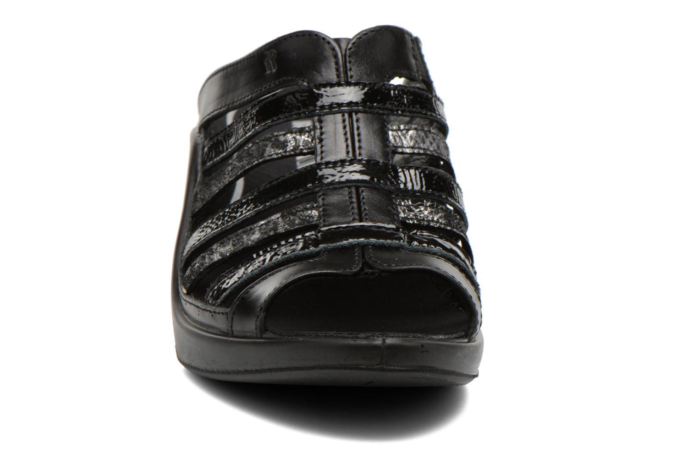 Mules et sabots Romika Mokassetta 285 Noir vue portées chaussures