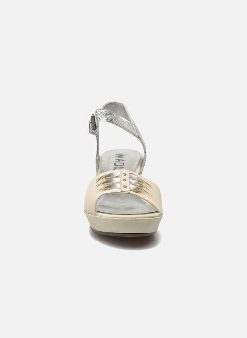 Sandali e scarpe aperte Madison Esclin Beige modello indossato