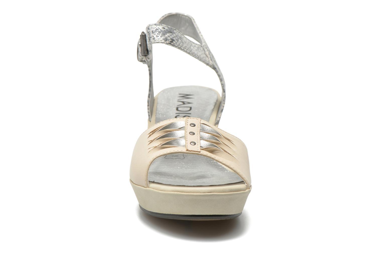 Sandales et nu-pieds Madison Esclin Beige vue portées chaussures