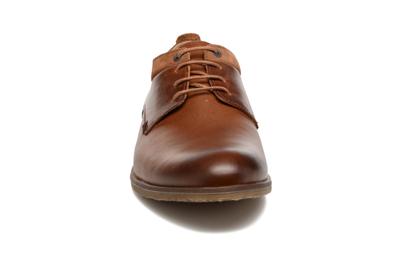 Chaussures à lacets Kickers FLAVESTON Marron vue portées chaussures