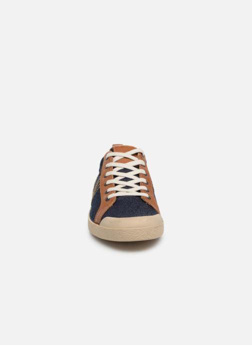 Sneakers Kickers TRIDENT Azzurro modello indossato