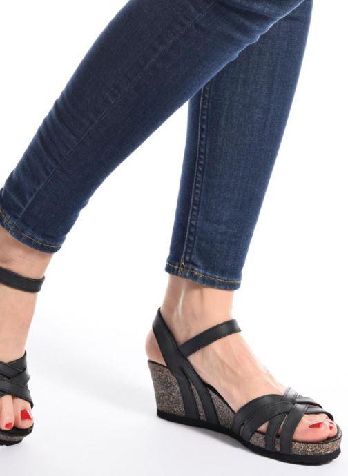 Sandalen Panama Jack Vera schwarz ansicht von unten / tasche getragen