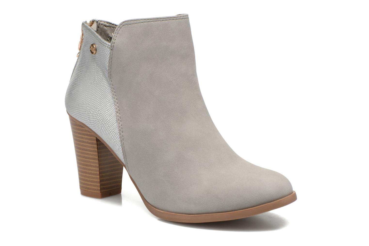 Ankle boots Xti Bonnie 45031 Grey detailed view/ Pair view
