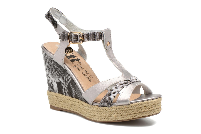 Sandaler Xti Bella 45058 Sølv detaljeret billede af skoene