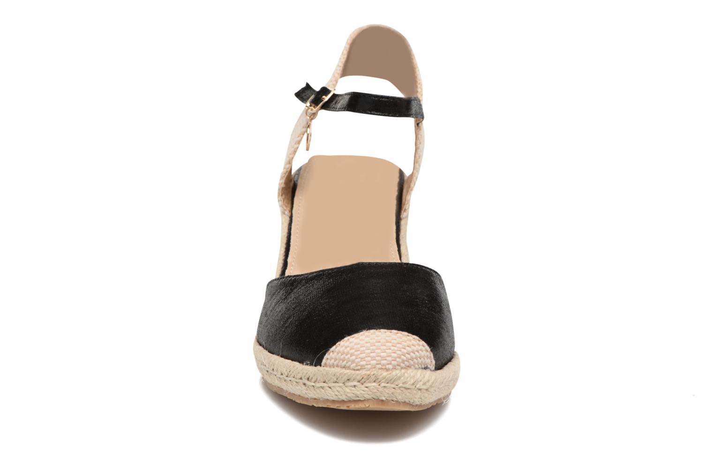 Sandalen Xti Brownie 45061 schwarz schuhe getragen