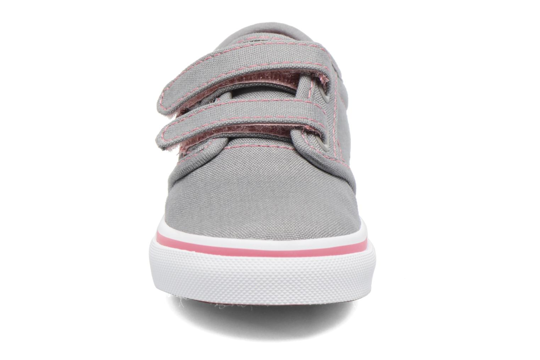 Baskets Vans Atwood V BB Gris vue portées chaussures