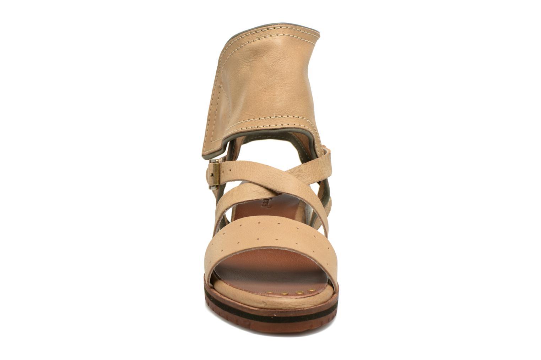 Sandalen Kickers Casertyn beige schuhe getragen