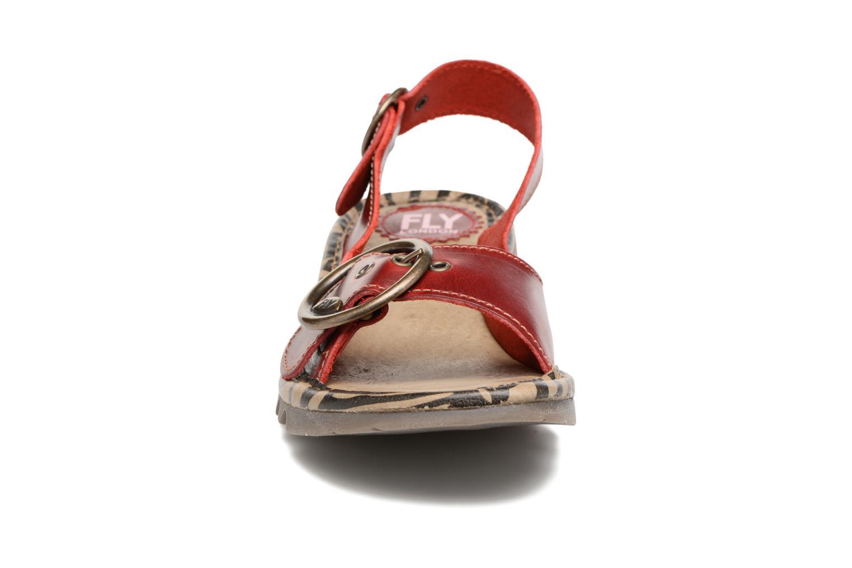 Sandales et nu-pieds Fly London Tram 723 Rouge vue portées chaussures