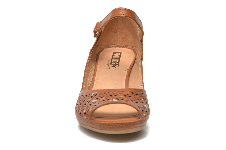 Sandales et nu-pieds Pikolinos Capri W8F-0743 Marron vue portées chaussures