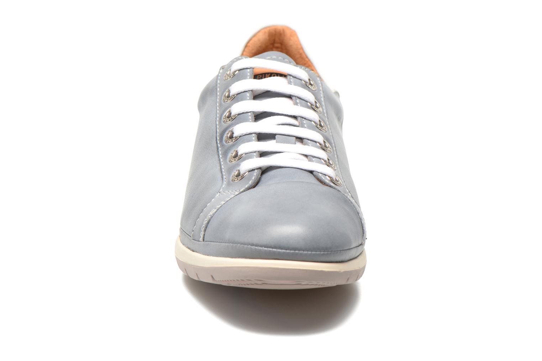 Baskets Pikolinos Granada 879-6551 Bleu vue portées chaussures
