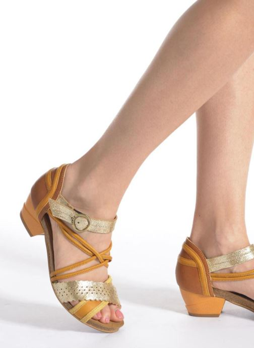 Sandales et nu-pieds Dkode Rain Jaune vue bas / vue portée sac