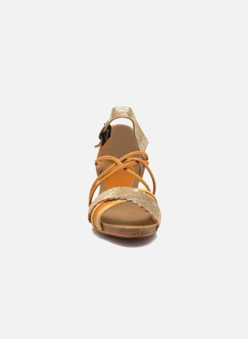 Sandales et nu-pieds Dkode Rain Jaune vue portées chaussures