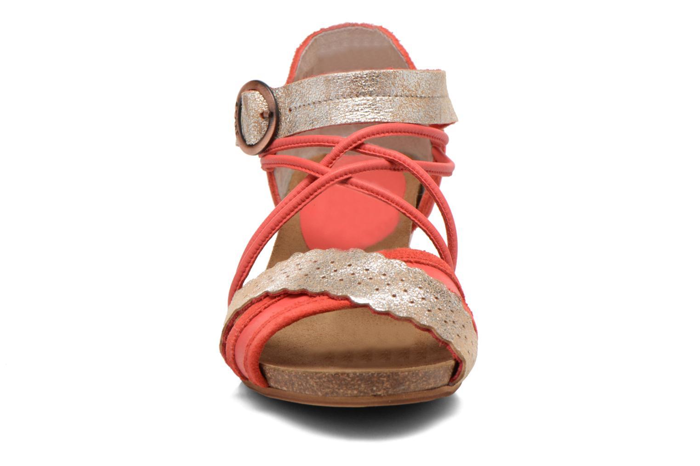 Sandales et nu-pieds Dkode Rain Rouge vue portées chaussures