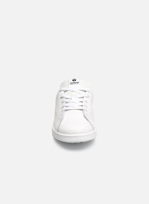 Sneakers Victoria Deportivo Piel Nero modello indossato
