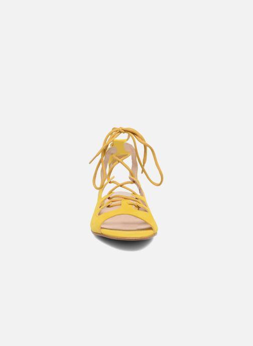 Sandales et nu-pieds Georgia Rose Gilize Jaune vue portées chaussures