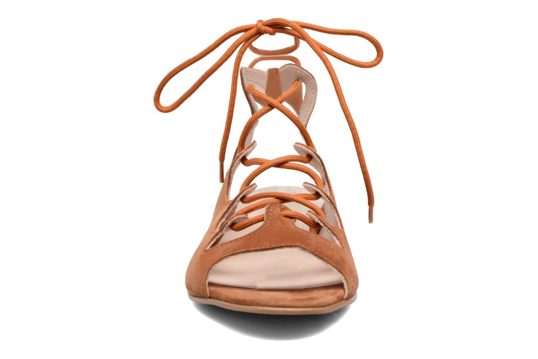 Sandales et nu-pieds Georgia Rose Gilize Marron vue portées chaussures