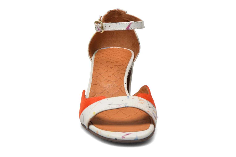 Sandali e scarpe aperte Chie Mihara Birra Multicolore modello indossato