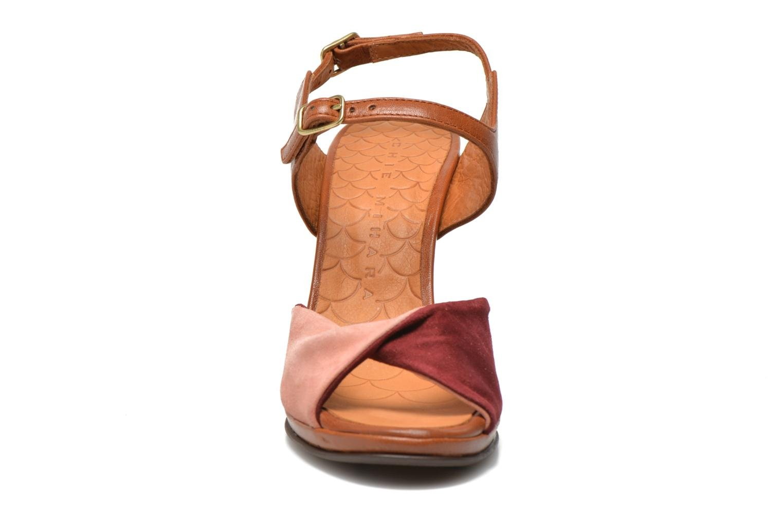 Sandales et nu-pieds Chie Mihara Fira Rose vue portées chaussures
