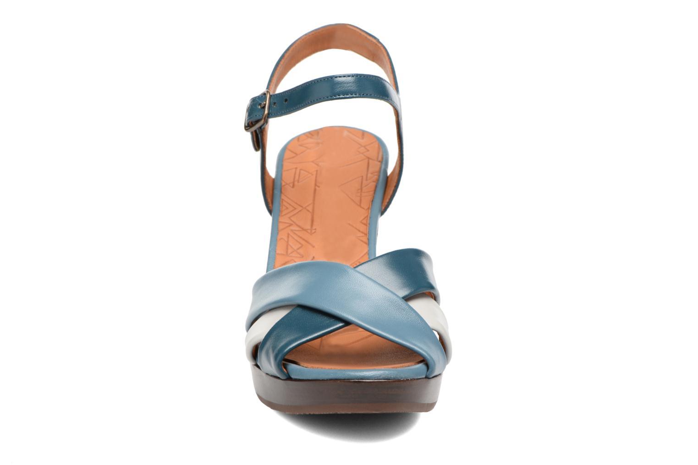 Sandales et nu-pieds Chie Mihara Lulupa Bleu vue portées chaussures