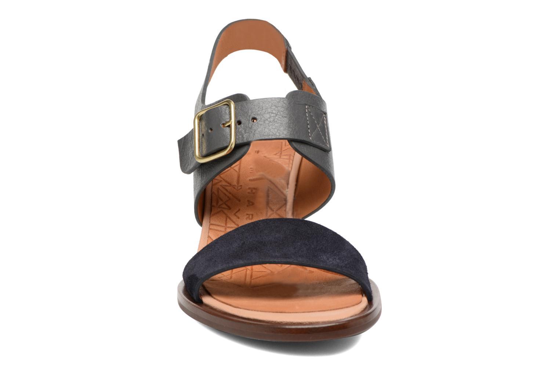 Sandales et nu-pieds Chie Mihara Queva Bleu vue portées chaussures